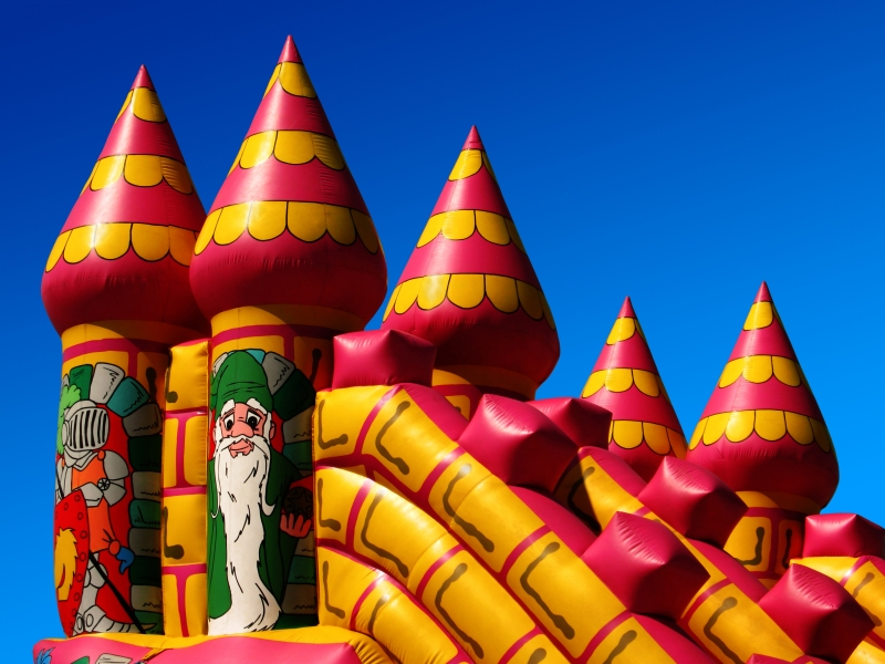 139687-bouncy-castle